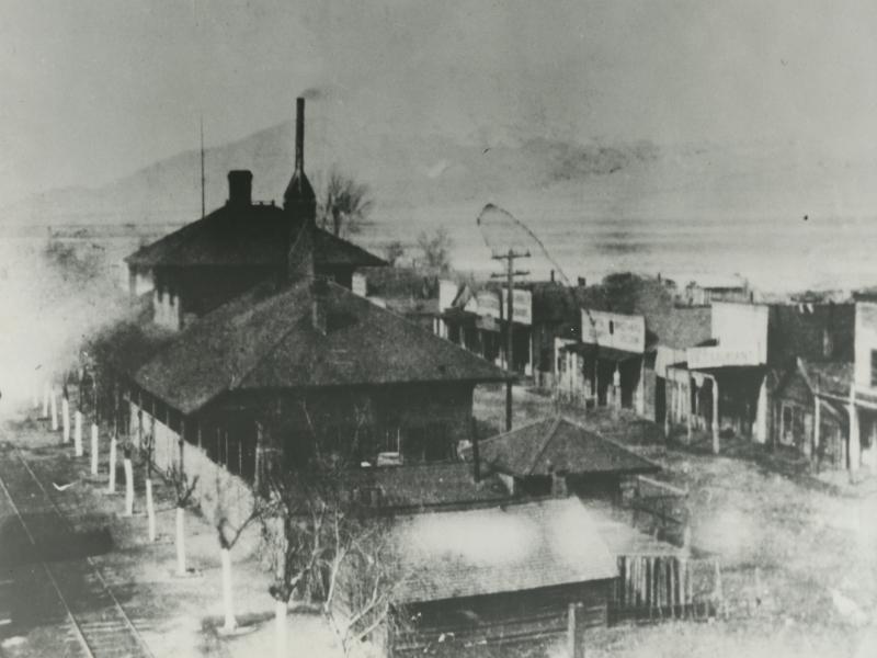 486 Terrace 1880.jpg